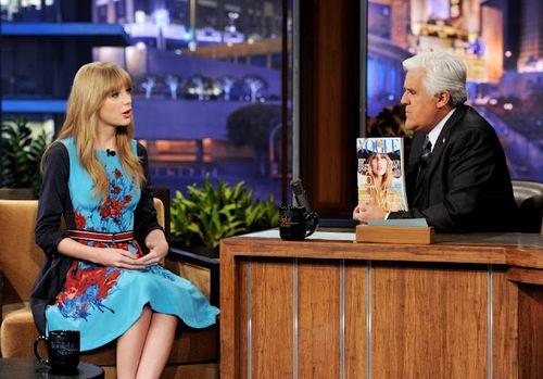 Taylor swift posture